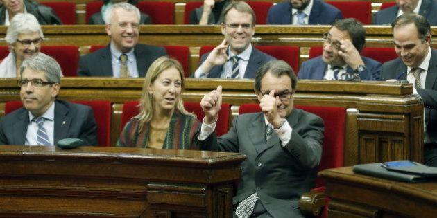 Junts pel Sí y la CUP registran la declaración de inicio del proceso de independencia de