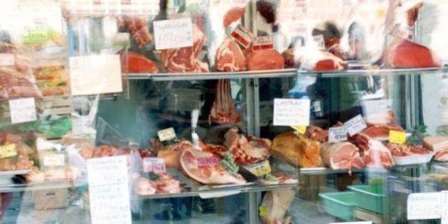 Del ganadero al charcutero del mercado: la industria de la carne se une contra el informe de la