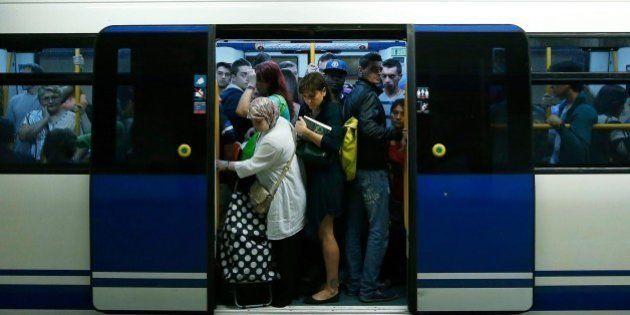 Metro de Madrid releva al jefe de Seguridad y dos coordinadores por el envío del correo