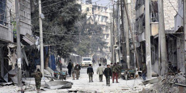 Los bombardeos aéreos se reanudan en Alepo tras fracasar la
