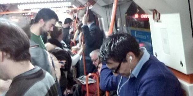 Atrapados en el Metro de Madrid: cientos de personas sufren las consecuencias de una