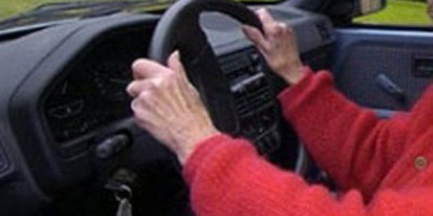 Condenan a una anciana de Ferrol por conducir sin carné desde