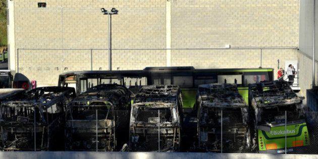 Queman ocho autobuses en Bizkaia en un sabotaje de apoyo a presos de