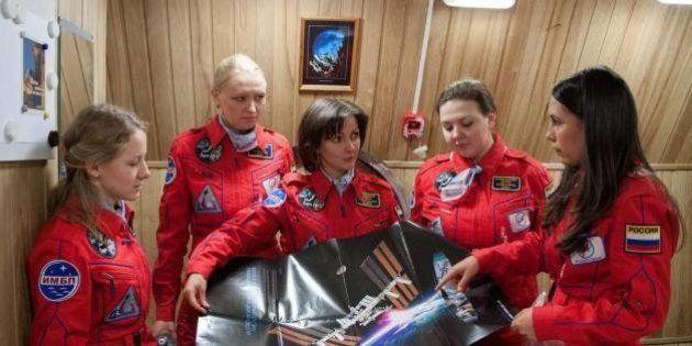 Unas cosmonautas rusas son preguntadas por si echarán de menos