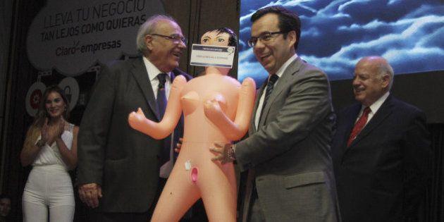 Escándalo en Chile por el regalo a un ministro para