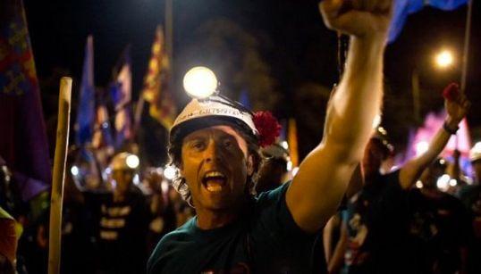 La recopilación de fotos que resume la crisis española