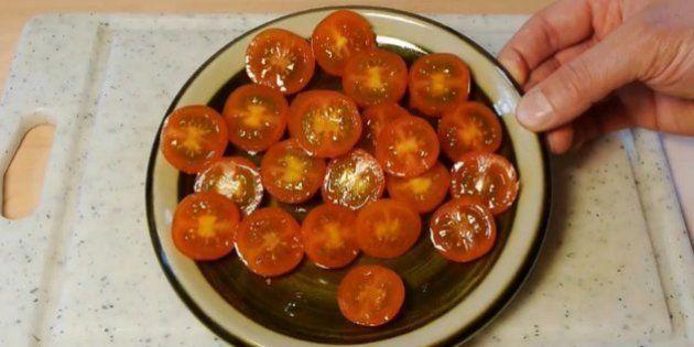 Cómo cortar tomates cherry en menos de 20 segundos