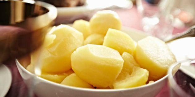 Por qué no deberías guardar las patatas dentro de la