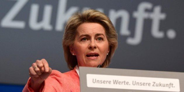 La ministra de Defensa alemana se niega a ponerse el velo en Arabia