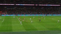 Inglaterra vence por las