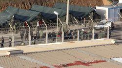 Abortan la entrada de un coche kamikaze en Melilla con 17