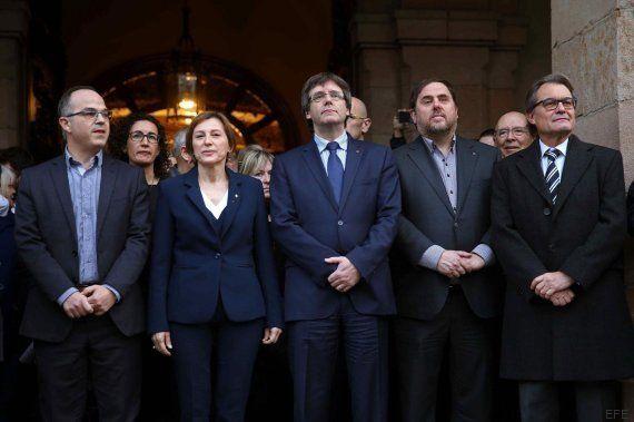 Forcadell llega a declarar aclamada por soberanistas concentrados ante