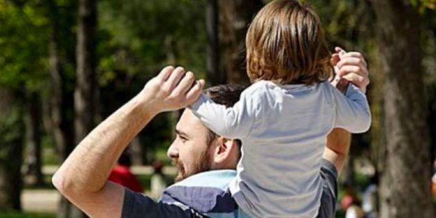 Ampliado el permiso de paternidad a un mes, 6 años después de la ley que lo