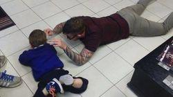 El peluquero que ha conquistado Facebook con este gesto