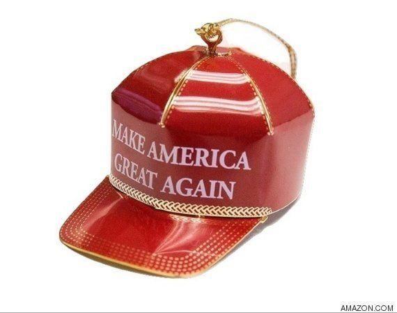 El adorno navideño de la discordia, la gorra de Donald Trump, 'sold out'