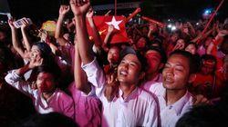 Miles de birmanos apoyan a Aung San Suu Kyi tras las