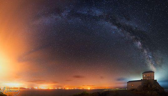 Esta impactante foto de la Vía Láctea esconde una
