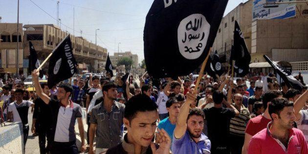 El Estado Islámico asesina a tiros a 300 funcionarios en