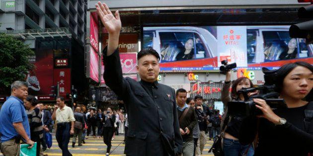 Un músico chino se disfraza de Kim Jong Un y se pasea por las calles de Hong