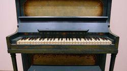Subastan el piano de Sam en