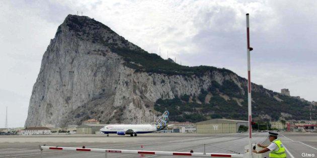 Gibraltar acusa a la Policía española de disparar