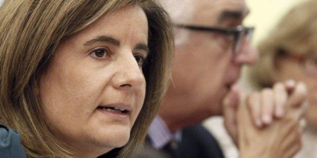 Fátima Báñez insiste en ver brotes verdes: