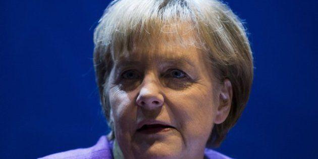 Merkel niega que haya recomendado a Rajoy descartar el rescate