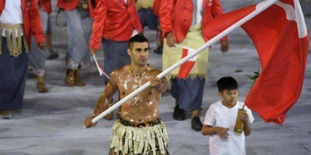 El abanderado de Tonga que enamoró a los