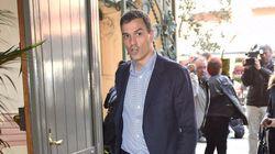 Pedro Sánchez pospone su viaje por España por Hillary