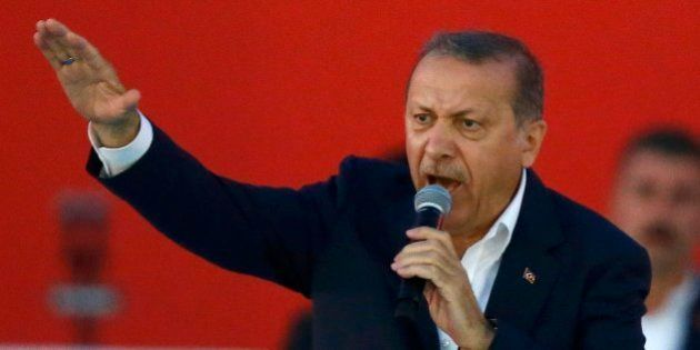 Erdogan aboga por restaurar la pena de muerte en