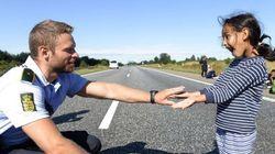 Lo que hace este policía danés con una niña refugiada te va a conmover