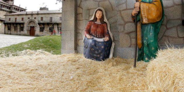 El niño Jesús desaparece del belén de Santiago de Compostela para llamar atención sobre