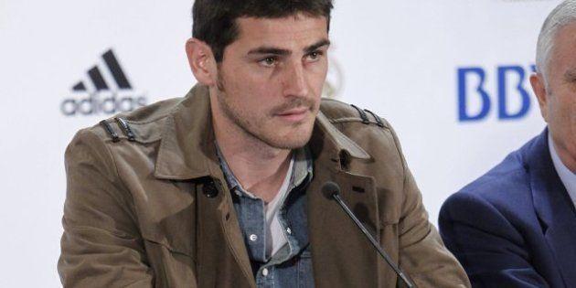 Mourinho deja a Casillas en el banquillo para el partido de Liga frente al