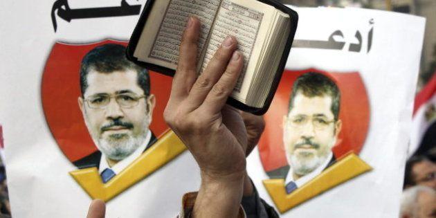 Los Hermanos Musulmanes anuncian el triunfo del 'sí' en el referéndum constitucional