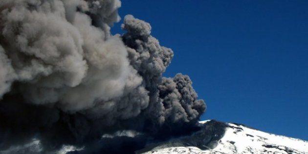 Argentina y Chile, en estado de alerta por la erupción del volcán Copahue