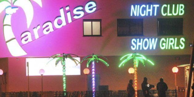 Bomba junto al macro prostíbulo 'Paradise' en La Jonquera: Los Mossos desactivan el artefacto