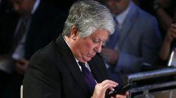 Arturo Fernández dimite como vicepresidente de la