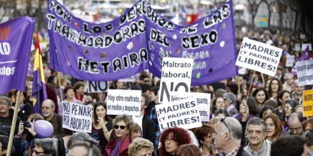 Miles de personas reclaman en Madrid y Barcelona igualdad y la retirada de la reforma del