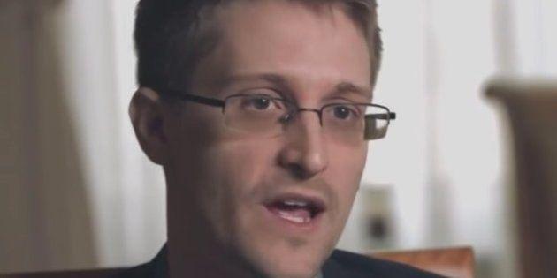 Snowden calla a los conspiranoicos de Trump con sólo un