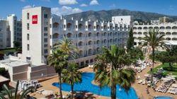 Un hotel de Málaga regala sus muebles y tiene que cerrar por la avalancha de