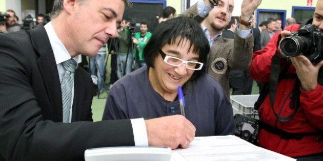 EL Parlamento Vasco aprueba adelantar la paga extra de funcionarios de junio de 2013 a