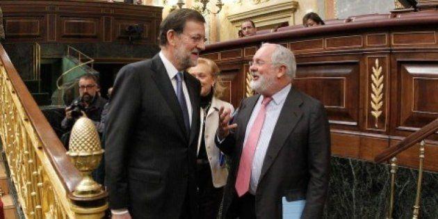 Rajoy reúne a la cúpula del PP sin despejar la duda del candidato a las