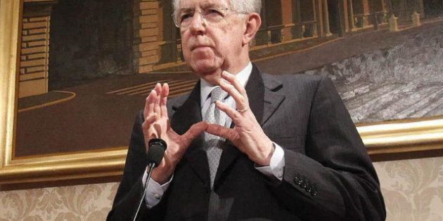 Mario Monti, dispuesto a liderar una coalición de partidos centristas en