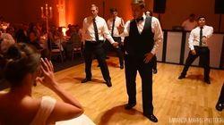 El novio, los testigos y cinco minutos de baile: la sorpresa más loca de una