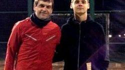 Tito Vilanova reaparece jugando al pádel con su hijo