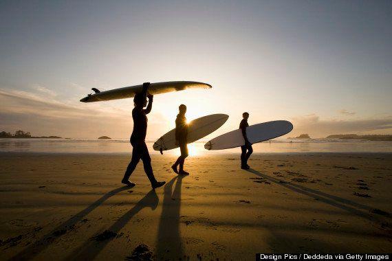 Lo que los surfistas nos pueden enseñar sobre el bienestar
