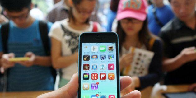A mi hijo de 13 años, de parte de tu madre: un contrato de iPhone, con