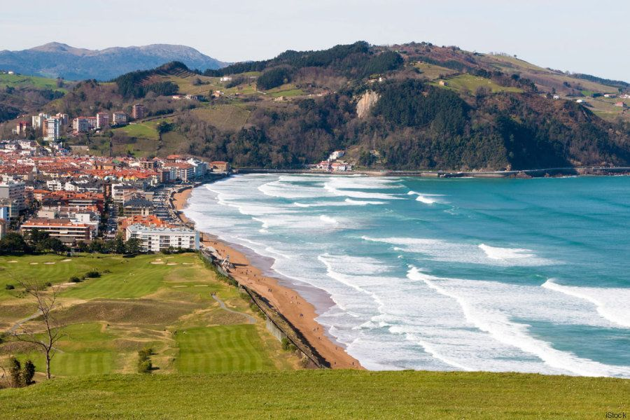 Seis playas para surfear las mejores olas del