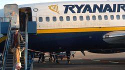 Se bajan del avión de Ryanair antes de despegar por