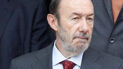 El PP ataca a Rubalcaba por apoyar la 'marea blanca'